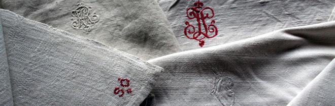 Handgewebte Bettlaken mit Monogrammen